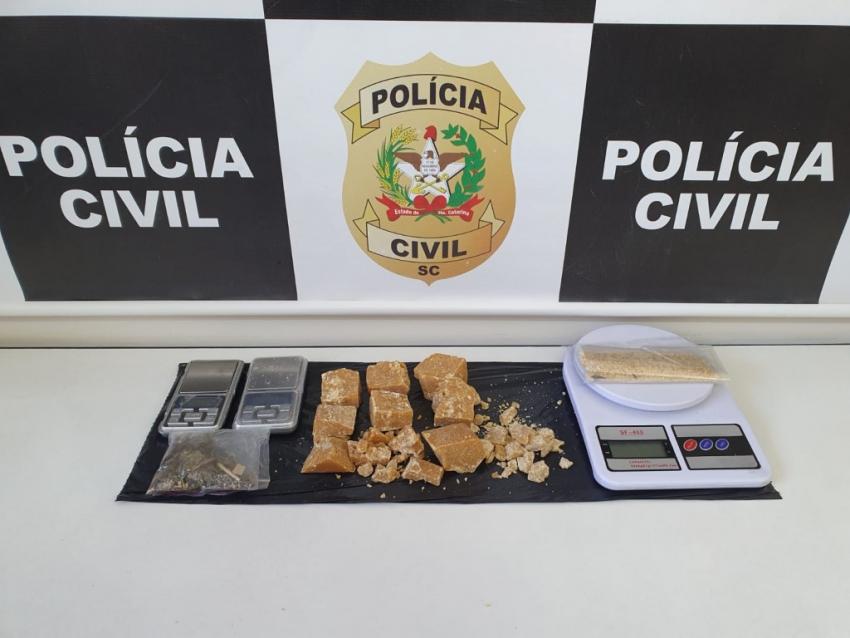 Grande operação policial apreende drogas e prende em flagrante diversas pessoas em Chapecó